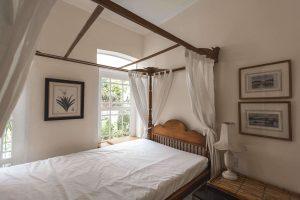 La Casita Mercedes bedroom
