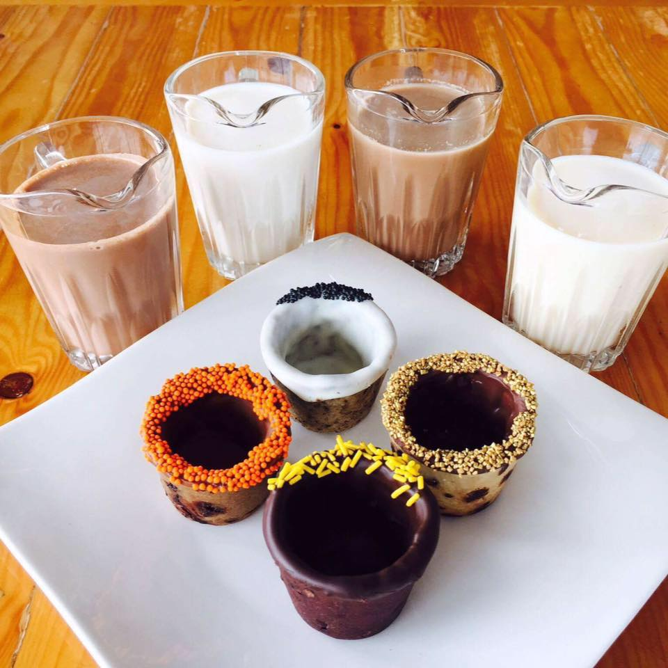 nolisoli events backyard grill bel-air cookie mug snack lounge