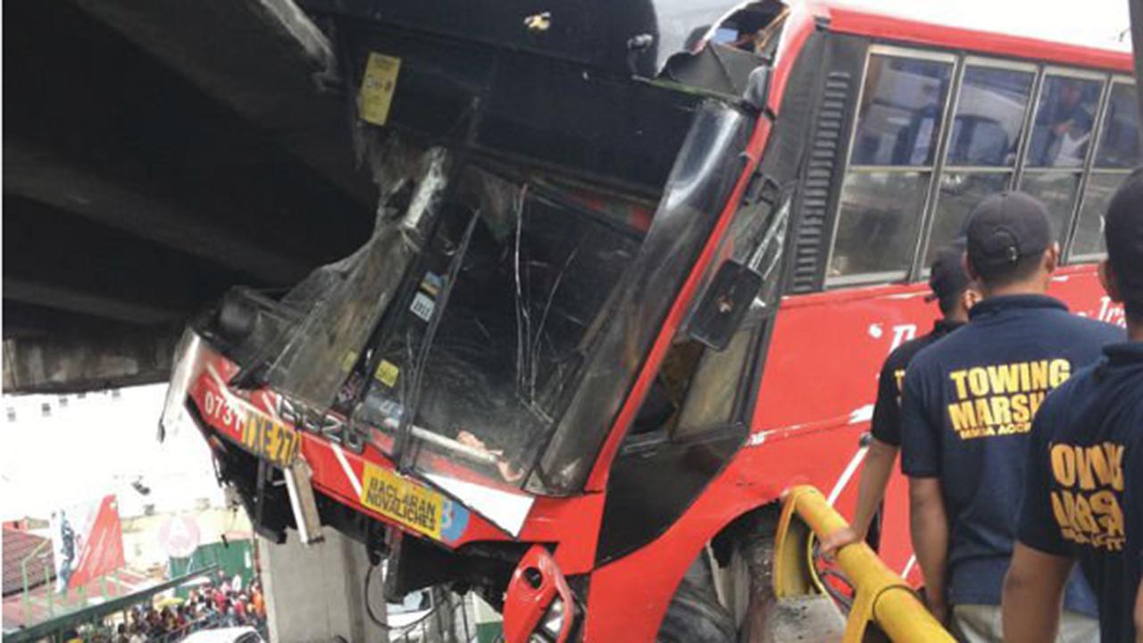bus-accident-ortigas