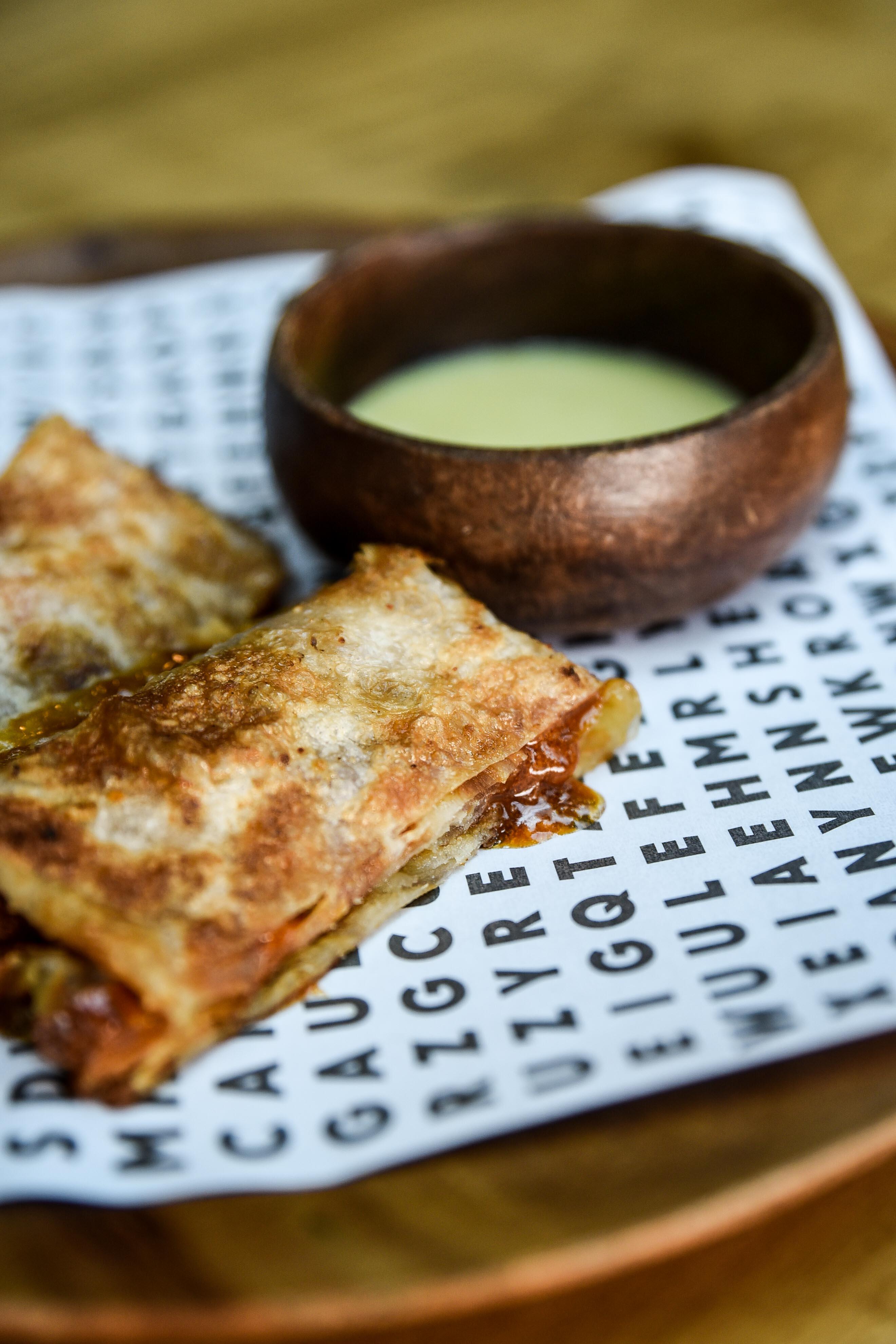 nolisoli eats restaurant anyany hole in the wall
