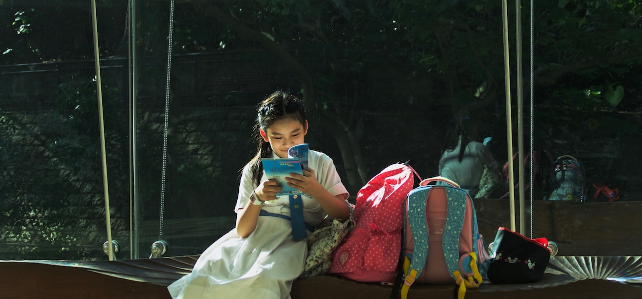 child reading unsplash