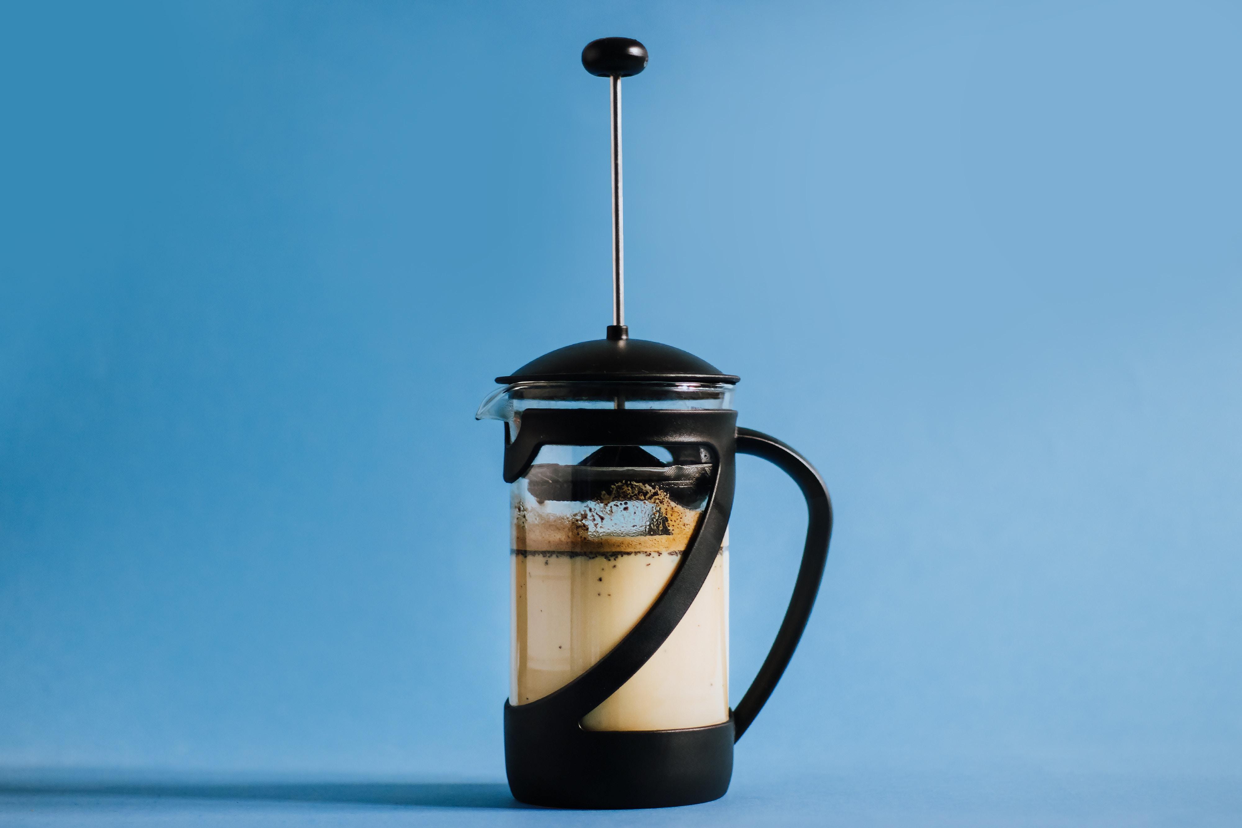 nolisoli brewing coffee french press