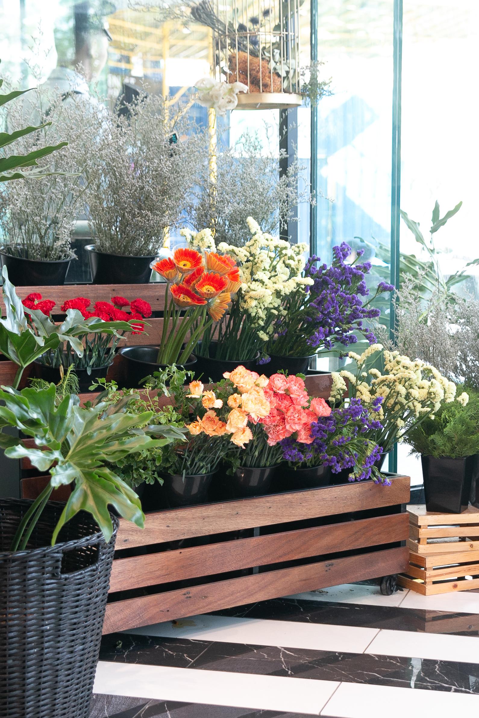 nolisoli.ph eats restaurant Ça Va Creperie & Floral Atelier the podium crepes
