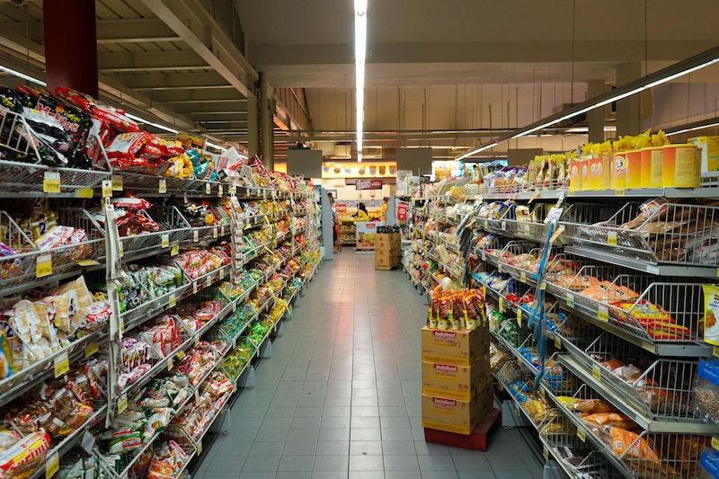fikri rasyid unsplash supermarket